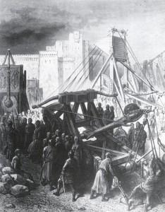 Jerusalemiin on murtauduttu lähes aina samasta paikasta, kartan yläreunassa näkyvän Pyhän Stefanoksen eli Damaskoksen portista itään lähellä Pyhän Maria Magdalenan kirkkoa. Piirityksen alkaessa Konstantinopolista lähteneitä oli arviolta 70000, nyt enää tuhat kaksisataa ritaria sekä muutama tuhat jalkamiestä ja pyhiinvaeltajaa. He valtasivat kaupungin perjantaina heinäkuun viidentenätoista 1099 puolen päivän aikaan ja panivat toimeen ajan tavan mukaisen verilöylyn. Pari viikkoa valtauksen jälkeen sama joukko ratsasti kohti Askalonia, jonne Kairon suurvisiiri oli tuonut 45000 miehen vahvuisen armeijan. Ristiretkeläiset yllättivät suurvisiirin leirin ja voittivat taistelun.